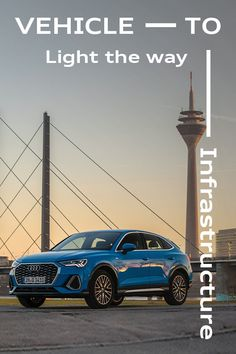 Convenient, safe and efficient - welcome to networked traffic lights in Düsseldorf. Audi Q3, Audi Cars, Traffic Light, Dreams, Lights, Vehicles, Rolling Stock, Lighting, Light Fixtures