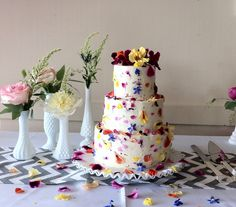 Beeu0027s Bakery Share Their Tips On How To Source And Use Edible Flowers And  Herbs On