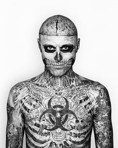Born This Way – Rick Genest. Although tattoos are becoming more popular and socially accepted, few people dare to go where Rick Genest has gone, it takes a lot of courage to redefine the way the largest organ of the body looks. Rick Genest, Tattoo Girls, Tattoos For Guys, Mundo Tattoo, Insane Tattoos, Amazing Tattoos, Tattoo Coloring Book, Skeleton Tattoos, Zombie Tattoos