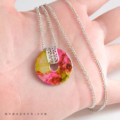 DIY: Marbled Washer Necklace Tutorial. Alcohol inks. Spray polyurethane. Or clear nail polish. Glue-on or pinch bails.