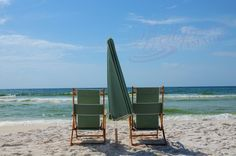 Ahhh, you're invited to a relaxing moment on the beautiful Gulf coast of Florida.  Taken in Destin, FL, on an apparently typical day.