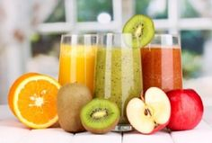 Juicing Benefits: 7 Reasons Why Fresh Juice Is The Healthier Option Healthy Juices, Healthy Drinks, Dietas Detox, Fast Day, Cold Pressed Juice, Jus D'orange, Fresh Fruits And Vegetables, Fruit Juice, Fruit Drinks