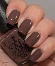 Lacky Corner: OPI - Squeaker of the House Dip Nail Colors, Matte Nail Colors, Summer Toe Nails, Winter Nails, Fall Nails, Opi Nails, Gel Manicure, Manicure Ideas, Stiletto Nail Art