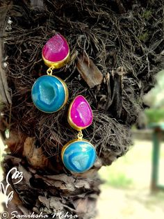 Best way to beat the summer sun is to pair bright and colorful accessories with the soft cottons. Wear these #earrings in Pink and Teal #Agate #Druzies to add that extra bit of sparkle to your day or evening ensemble.