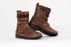 How to Remove Oil Stains from Leather Boots Remove Oil Stains, Grease Stains, Cleaning Checklist, Cleaning Hacks, Cleaning Dust, Diy Cleaners, Leather Shoes, Keep It Cleaner, Riding Boots