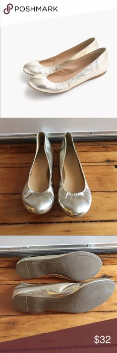 J. Crew flat Jcrew flat in good condition super soft leather still in stores retail for 120$ beautiful soft gold color ! Made in Italy J. Crew Shoes Flats & Loafers