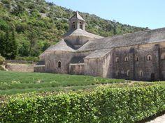 プロヴァンスのシトー派修道院、セナンク道院(フランス)Abbaye de Sénanque France #Romanesque