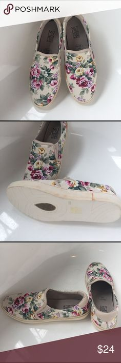 Miz Mooz  floral slip on Shoes Very cute, never worn floral slip on by Miz Mooz.  Memory Foam lining.   Size 8.5/39 miz mooz Shoes Sneakers