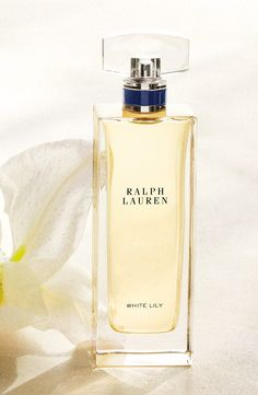 A dramatic bouquet inspired by Ralph Lauren's Madison Avenue Mansion, featuring captivating White Lily accord nuanced  with creamy Madagascar Vanilla and spicy Pink Pepper.