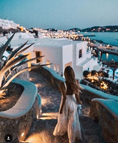 to greece To Greece destinations To Greece greek islands To Greece on a budget To Greece outfits To Greece packing lists To Greece tips To Greece with kids Vacances Places To Travel, Travel Destinations, Places To Go, Greece Destinations, Holiday Photography, Travel Photography, Greece Photography, Couple Photography, Photography Tips