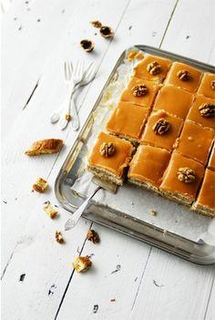 walnut & caramel cheesecake with creamy caramel frosting