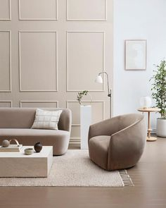 Dulux colour ambassadors Michelle Halford and Evie Kemp share neutral and bold interior looks using paint and colour to stylish effect. Home Living Room, Living Room Designs, Living Room Furniture, Living Room Decor, Living Spaces, Lounge Design, Design Design, Modern Design, Interior Minimalista