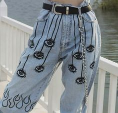 Tbh i would love to paint smth like this onto a pair of mom jeans . The post Tbh i would love to paint smth like this onto a pair of mom jeans . appeared first on Jean. Diy Fashion, Ideias Fashion, Fashion Outfits, Womens Fashion, Fasion, Tumblr Fashion, Jeans Fashion, Fashion Weeks, Paris Fashion