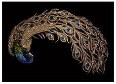 Broche en forma de Pavo real que Mellerio creo en 1905 para el Maraha de Kapurthala usado por Anita Delgado DINASTÍAS | Los Foros de la Realeza • Ver Tema - Las joyas de los maharajás