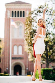 USC grad fighting on in front of Bovard Auditorium Girl Graduation Pictures, Graduation Images, Graduation Picture Poses, Grad Pictures, Cute Poses For Pictures, Graduation Photoshoot, Grad Pics, College Graduation, Graduation Ideas