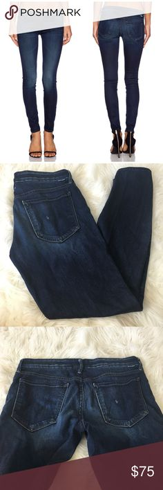 Mother The Looker Dark Washed Skinny Jeans Super cute and the perfect wardrobe staple! Excellent pre owned condition. Size 30. Dark washed skinny. Inseam 29 inches. 98% cotton, 2% elastane. No trades!! 05141750gwb MOTHER Jeans Skinny