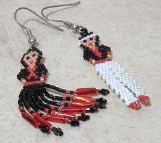 Beaded Earrings Native, Beaded Earrings Patterns, Bead Earrings, Beading Patterns, Beaded Jewelry, Beading Ideas, Indian Beadwork, Native Beadwork, Native American Beadwork