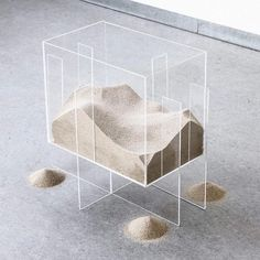 Moving sand, one of the most defined materials of our planet via / make sure to check out www.space (link in… Modern Art, Contemporary Art, Instalation Art, Keramik Design, Exhibition Display, Parasol, Art Object, Art Direction, Sculpture Art