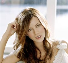 Kate Beckinsale Pictures and Photos Kate Beckinsale Hot, Underworld Kate Beckinsale, Kate Beckinsale Pictures, British Costume, Gorgeous Hair Color, Hot Brunette, Beautiful Actresses, Beautiful Celebrities, Hair Trends