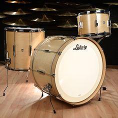Ludwig Club Date Drum Kit Natural Satin Best Drums, Drum Accessories, Ludwig Drums, Drum Heads, Vintage Drums, Music Beats, Chicago Shopping, Drum Kits, Vintage Vibes