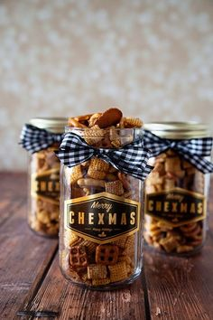 Here's a GEM for you... The Original Chex Mix recipe + a FREE printable gift tag for Christmas from WhipperBerry