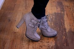 Check out Kortnie Coles cute shoes! We love. #mp #modeloffduty