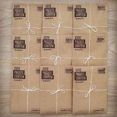 E hoje é o dia do nosso bingo!!! Brindes embaladinhos!!! Aiiii estou apaixonada pela minha papelaria feita com carimbos!!! ❤️❤️ #myyellowbox #brindes #minhaterapia #carimbospersonalizados #papelaria #embrulho #presente #artesanato #tecido