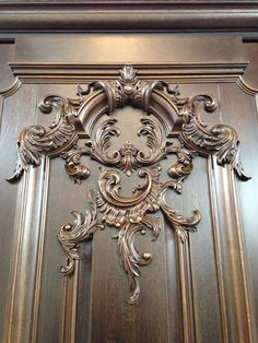 Love the gold overlay on the pale blue Wood Carving Faces, Wood Carving Designs, Wood Carving Patterns, Wood Carving Art, Wood Patterns, Wooden Door Design, Wooden Doors, Wood Design, Wal Art