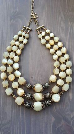 Whether for fashion reasons or to impress others, people love wearing jewelry. But how do you know if you are getting the most of your jewelry collection? Jewelry Crafts, Jewelry Art, Beaded Jewelry, Vintage Jewelry, Jewelry Accessories, Jewelry Necklaces, Handmade Jewelry, Jewelry Design, Women Jewelry