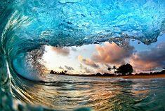 STUNNING... AS THE WAVES ROLL ONTO HAWAIIAN BEACH