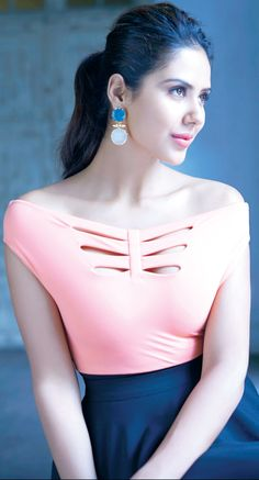 In the spirit of introducing new faces Sonam Bajwa Indian actress For more visit: www.charmingdamsels.tk
