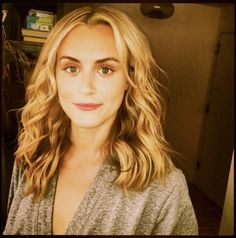 """Taylor Schilling from """"Orange is the New Black"""" looks daytime dreamy in Votre Vu's Vu-On Rouge color pop-up stick in Bouquet Rose!"""