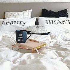 Starting the morning right with @thestylistsplash ☕️☕️ #sleepwithettitude