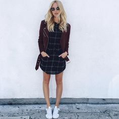 Casual cool with a patterned shift dress and sneakers
