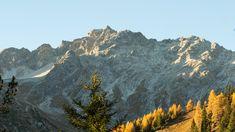 Der 1.793 m hohen Arlberg-Pass verbindet die österreichischen Bundesländer Tirol und Vorarlberg.   Foto von Martin Zangerl Mount Rainier, Mount Everest, Mountains, Nature, Travel, Communities Unit, Alps, Things To Do, Landscape