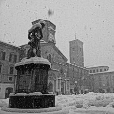 Neve in Piazza Prampolini, Reggio Emilia - Instagram by azis85