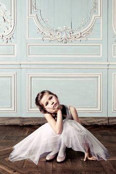 http://www.sarahklassen.com/2011/08/designer-dior-bebe.html