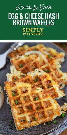 An all-in-one breakfast hack. Whip out your waffle maker and crisp up some easy-cheesy golden brown potato delights thatll leave you wondering why you never thought of it before. - Waffle Maker - Ideas of Waffle Maker Sandwich Maker Recipes, Breakfast Sandwich Maker, Waffle Maker Recipes, Breakfast Waffles, Pancakes And Waffles, Breakfast Dishes, Breakfast Recipes, Eggs In Waffle Maker, Eat Breakfast