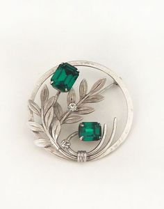 Wear green for St Patrick's Day!  Vintage Van Dell Sterling Emerald Green Rhinestone Pin Brooch Circle Signed
