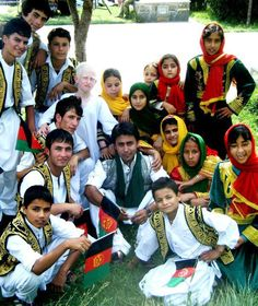 Afghan Singer Shafiq Mureed with Afghan Children on national day