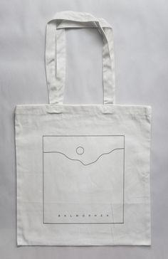 "Burberry Women's ""Baby Banner"" Quilted Lambskin Mini Tote Black Red Diy Tote Bag, Cute Tote Bags, Printed Tote Bags, Canvas Tote Bags, Tods Bag, Bag Illustration, Diy Vetement, Fabric Bags, Shopper Bag"