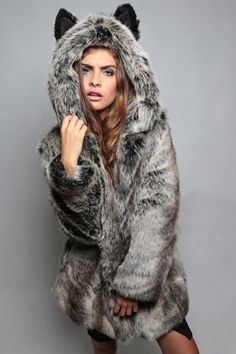 Fashionable Hooded Faux Fur Bear Coat For Women Beautiful Outfits, Cool Outfits, Coats For Women, Clothes For Women, Bear Coat, Fur Fashion, Street Fashion, Outerwear Women, Mannequins