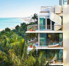 Sunshine State: Three New Miami Hotels Shaking up the Scene Vietnam Location, Miami Beach Edition, Edition Hotel, Miami Beach Hotels, Sunshine State, Best Hotels, Indoor Outdoor, New Homes
