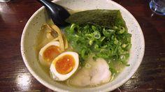 海鮮塩らーめん+九条ねぎ+煮玉子@信楽茶屋 (鶴見)