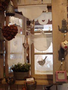 Par la fenêtre ... Window Treatments, Sweet Home, Shabby Chic, Windows, Table Decorations, Photos, Textiles, Retro, Cotton