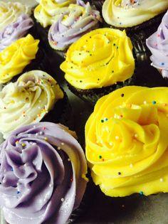 Yummy fun swirl and rose cupcakes!!!!