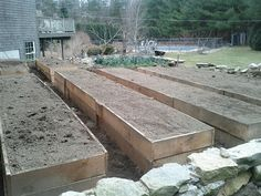 How to Build Raised Beds: make the most of your small garden space and expect massive yields!