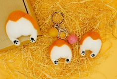 Felted corgi butt keychains and magnets