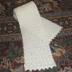 This Draft Dodger Scarf is just a classic crochet pattern with an antique feel to it. This is an easy crochet scarf that would make a great present to a friend or relative. Crochet Scarves, Crochet Shawl, Crochet Stitches, Crocheted Scarf, Lace Scarf, All Free Crochet, Easy Crochet, Double Crochet, Crochet Flower Patterns