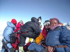 Everest Summitclimb Mt Everest / Lhotse : Summit pictures and more Summit Pictures Love Background Images, Love Backgrounds, Summit Everest, Winter Jackets, Pictures, Winter Coats, Photos, Winter Vest Outfits, Grimm